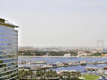 HILTON DUBAI CREEK 5 *