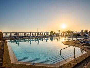 ANNABELLE BEACH RESORT HOTEL 5* DELUXE