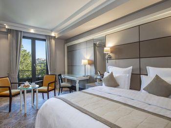 AMBASSADORI HOTEL 5*