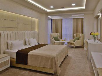 GANJALI PLAZA HOTEL 4*
