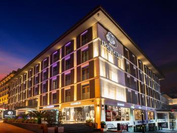 DOUBLETREE BY HILTON HOTEL ISTANBUL-OLD TOWN 5*