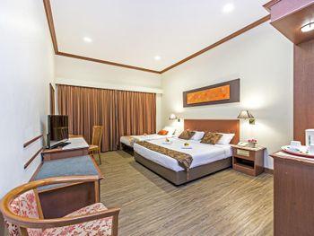HOTEL 81 TRISTAR 2*