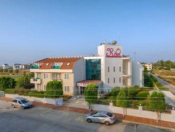 RISUS HOTEL 3*