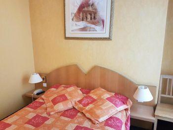 GRAND HOTEL DU CALVADOS (FR: Экскурсионный тур Париж детям + Поездка в Диснейленд из Алматы (GDS: Air Astana))