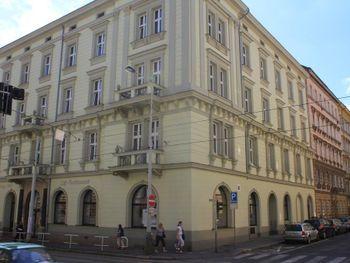 PRAGA 1885 4*