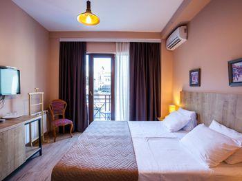 HOTEL 16  3*