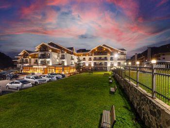 CRYSTAL HOTEL & SPA 4*