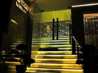 ART DELUXE HOTEL 3*