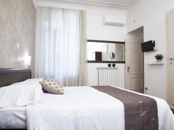 CAPRI HOTEL 1*
