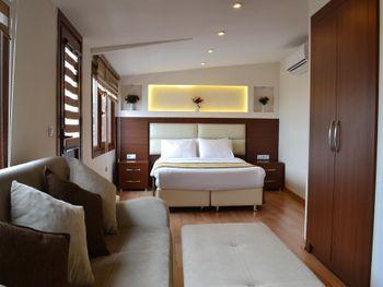 SEVEN DAYS HOTEL 3*
