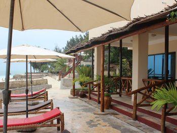 FARIDU BEACH BUNGALOWS 3*