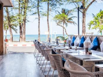 THE ROYAL PALM BEACH FRONT 4*