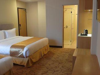 METRO HOTEL 3*