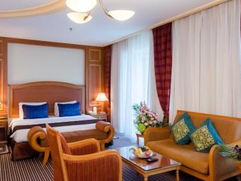 AVENUE HOTEL 4*