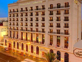 ROYAL ASCOT HOTEL 4*