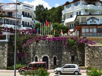 NATURELLA HOTEL & APART 3*