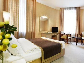 SHARDEN HOTEL 3*